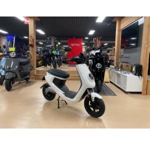 Niu M1 elektrische scooter